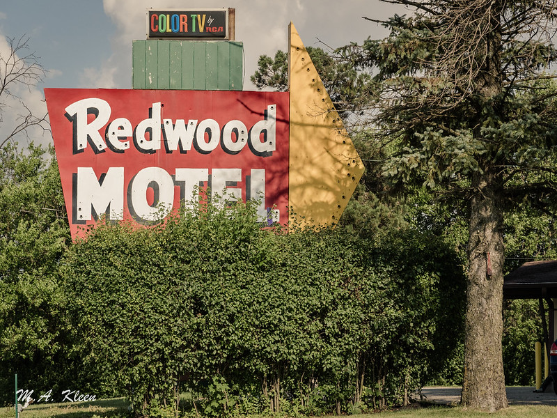 Redwood Motel with Color TV!