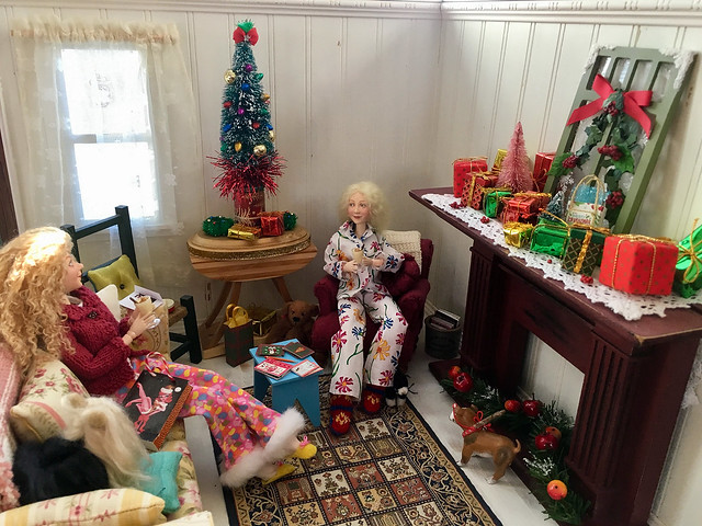Christmas 2018 at the Cottage with Molly and Jane.  And their pets!