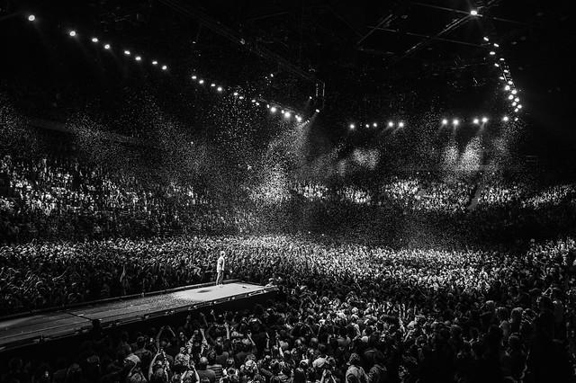 CHRIST̶I̶N̶E̶ ̶A̶N̶D̶ ̶T̶H̶E̶ ̶Q̶U̶E̶E̶N̶S̶    AccorHotels Arena, Paris - 18 DÉCEMBRE 2018