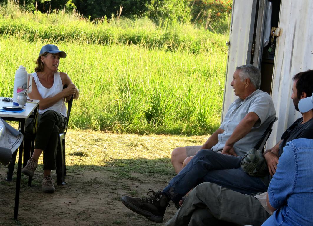 Soledad Ferreria - Taller Flotante conversando con Omar Fernandez - Asociación Isleños Unidos II
