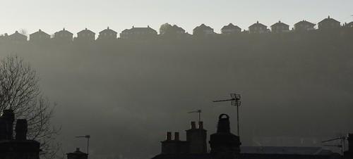 huddersfield westyorkshire yorkshire england uk milnsbridge crosland moor contrejour morning mist houses cityscape chimney november 2018 sunrise almostanything
