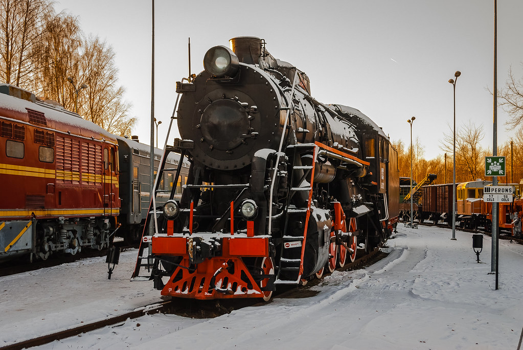 Great old locomotive in a beautiful winter setting. 09:53:13 DSC_1702