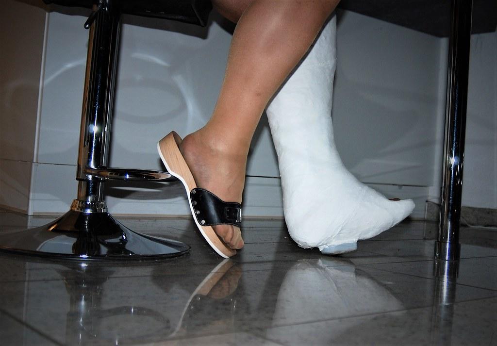 a basso prezzo eb17e 04d89 Scholl Pescura   DSC_2561   cast'n_heels   Flickr