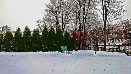 winterinnewengland firstsnowstormoftheseason letitsnow connecticut vernonconnecticut rockvilleconnecticut northeastconnecticut tollandcounty newengland beautiful winterphotography winter photography flickr
