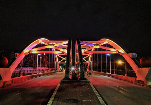Montrose St. bridge over I-59 illuminated at night. | by elnina999