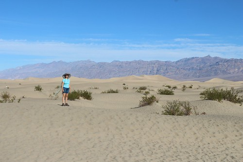 0411 It's a long hard slog to get deep into the Mesquite Flat Sand Dunes | by _JFR_