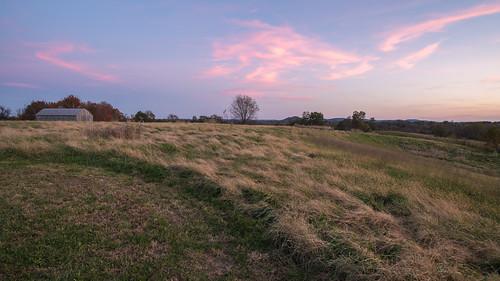 battleofrichmond civilwar kentucky richmond barn battlefield harnessracing sunset