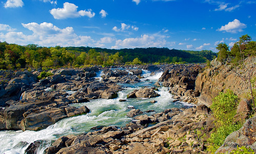 greatfalls potomacriver maryland america usa river waterfall chute rapids sunlight water rush rocks trees foliage sky clouds flow vista overlook nikon d60 aplusphoto gsb