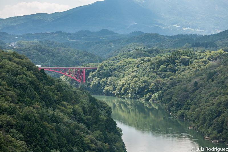 Puente sobre el río Kiso