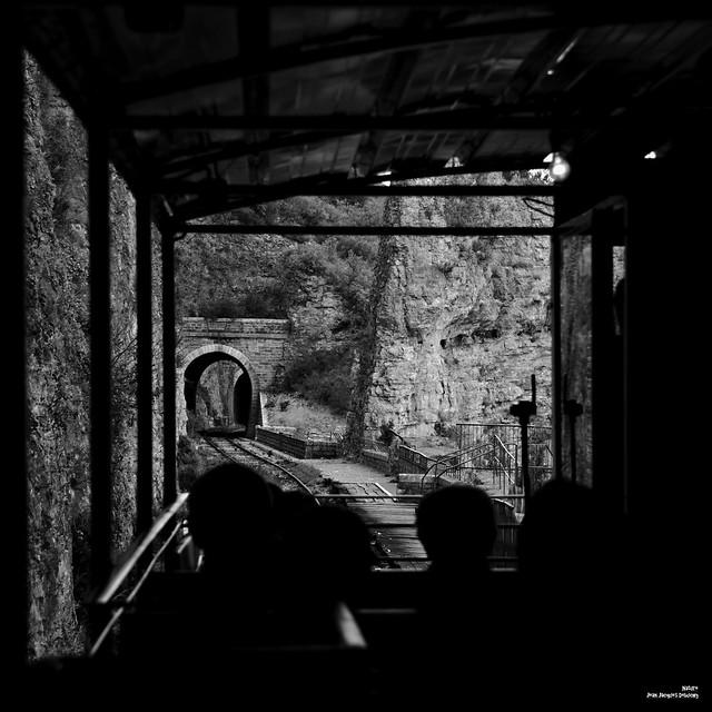 De ponts en tunnels.