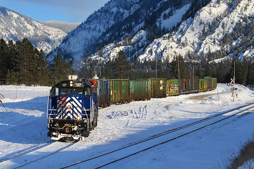 montanaraillink mrl emd gp9 127 paradiselocal woodlin thompsonfalls montana thompsonriverlumberlead winter spur train railroad locomotive mrlfourthsub mrl4thsub mt