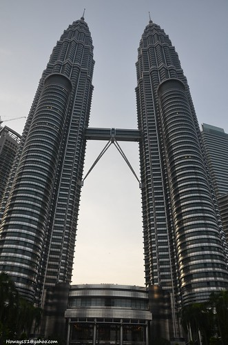 petronastowers twintowers tower petronas architecture building shoppingcenter sky kualalumpur malaysia owaysee outdoor iran hamid hamidowaysee hamidgolpesar tabriz travel landscape