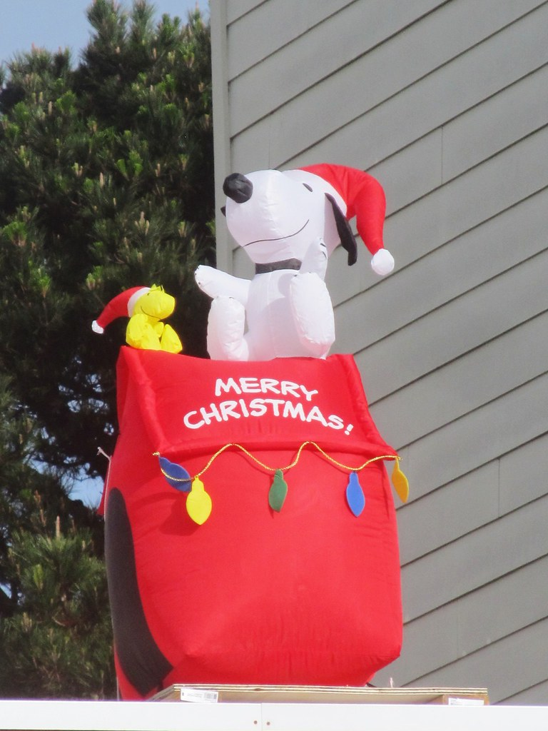 Snoopy And Woodstock Christmas Inflatable.Inflatable Merry Christmas Snoopy Woodstock Merry Christma