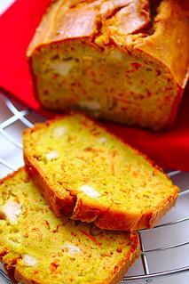 Cake salé au poulet et curry | by PlatedPalate