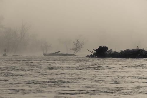 richmond virginia unitedstates us nikond7500 jamesriver tamron18400f3563diiivchld fog mist river
