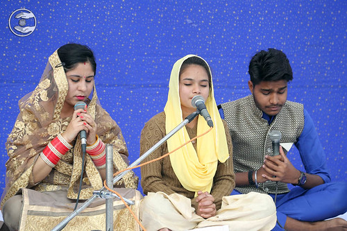 Devotional song by Seema and Saathi from Pataudi RJ