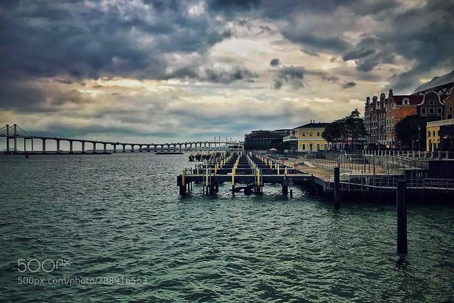 台风来临前的澳门渔人码头1 Macau fisherman's wharf 1