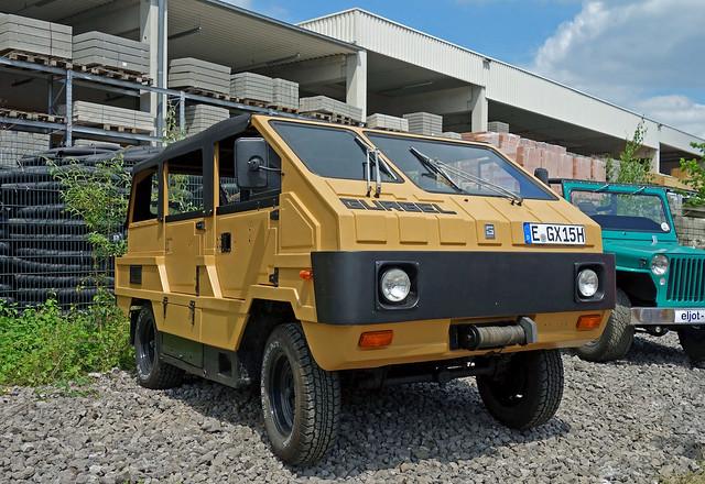 Gurgel X-15 ____ Brazilian SUV with VW Beetle components ___ 1979-82
