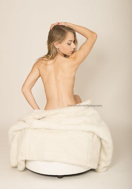 Chloe back pose