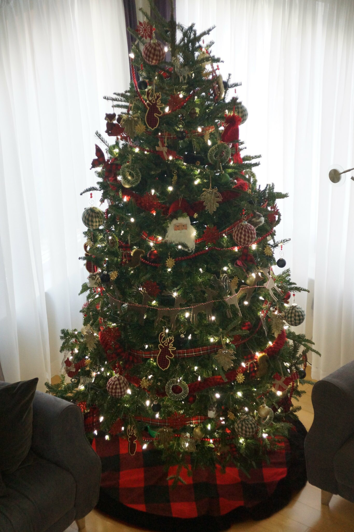 2018-12-02 - Decorating our Christmas Tree