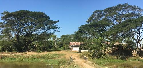 myanmar burma ayeyarwadyregion ayeyarwady irrawaddy delta hinthadadistrict hinthadatownship hinthada neikban trainstation station bridge