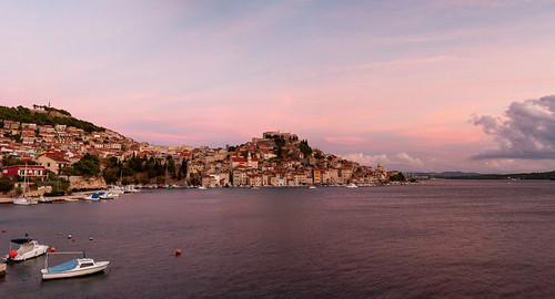 šibenik croa plažabanj adriaticsea cityscape citylandscape city boat sunset clouds dalmatia sky unesco worldheritage sea