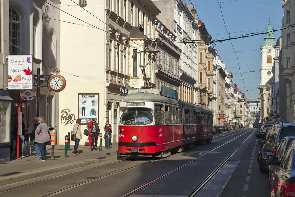 2018-04-19 AT Wien 07 Neubau, Westbahnstraße, Hst. Westbahnstraße Kaiserstraße, E1 4549+c4 1357 Linie 49