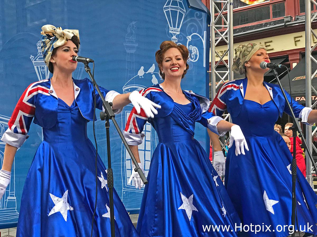 GoTonySmith,HotpixUK,Hotpix,Tony Smith,HousingITguy,365,Project365,2nd 365,HotpixUK365,Tone Smith,GirlsFromOz,Australia,Edinburgh Festival