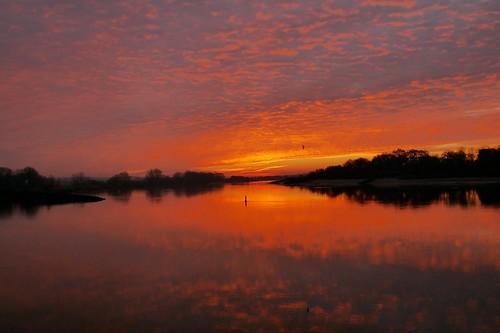 sunrise sonnenaufgang himmel sky rot wölken wolkig cloud day sabine1955 elbe river fluss wasser