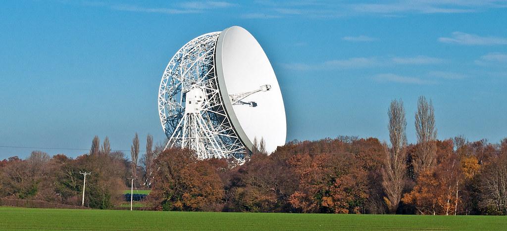 cheshire icon   2 views of the iconic radio telescope at ...