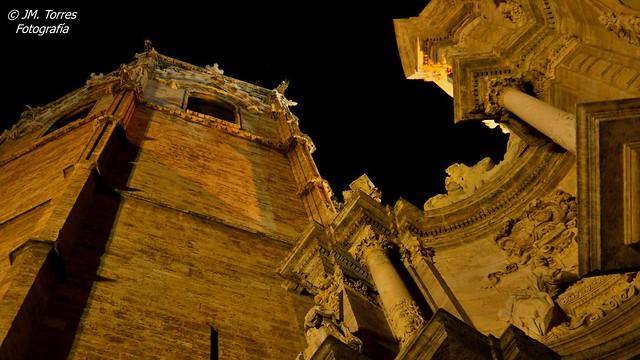 Puerta de los Hierros y Miguelete. Catedral de Valencia