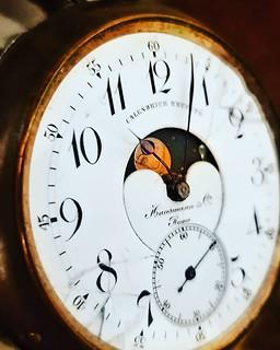 Old Times #clock #vintage #old #hour #night #igers #igersitalia #igersmilano #photooftheday #picoftheday #hours | by Mario De Carli