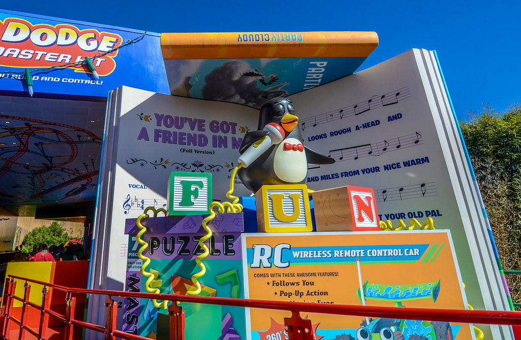 Penguin Slinky Dog Dash DHS