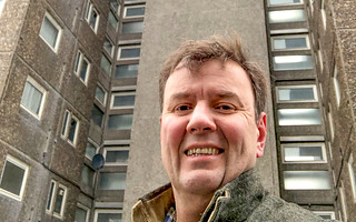 Greg visits tenants and leaseholders in Hartopp and Lannoy Points | by Greg Hands