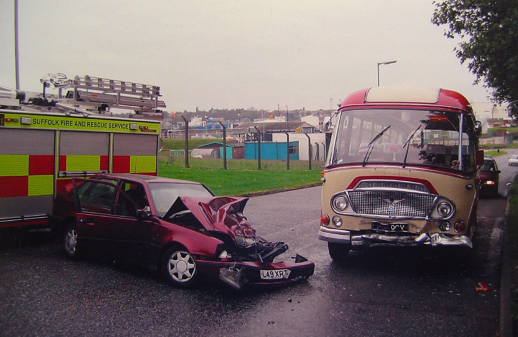 675 OCV in accident at Ipswich 2004 | Bedford SB3 Duple Supe