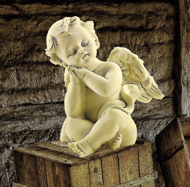 191 Engel auf der Kiste