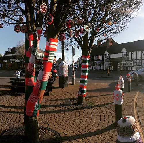 The fantastic #christmas @barwell_yarnbomb is bringing festive fun to the #Leicestershire village of #Barwell @visitleicester @bbceastmidlands @bbcleicester | by Leigh984