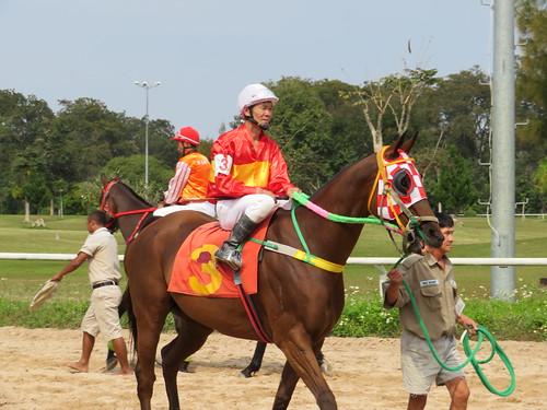 チェンマイ競馬場の騎手