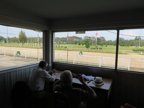 チェンマイ競馬場のクーラー付特観席の常連