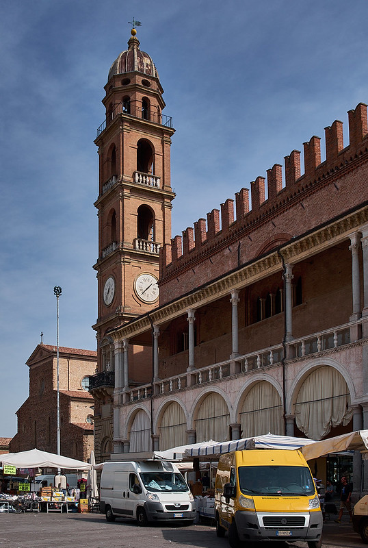 Dia de mercado en Faenza