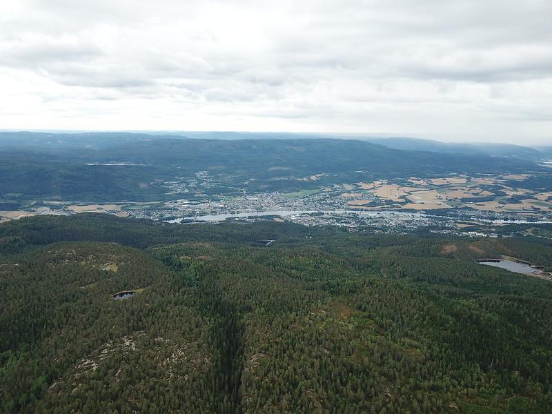 15-Utsikt mot Eiker fra Lokkeråsen (drone)