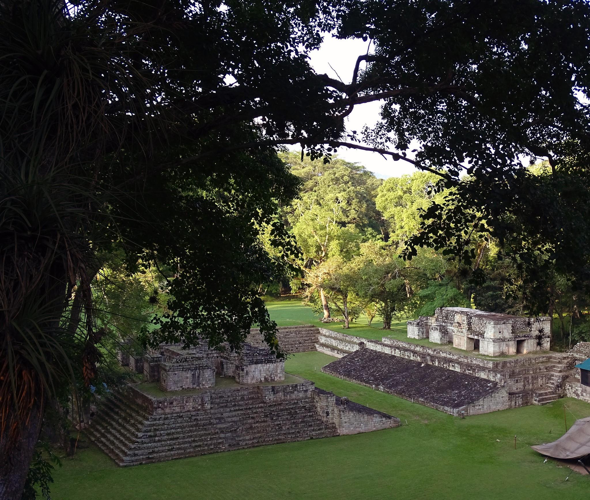 Juego de Pelota sitio arqueologico Maya de Copan Honduras