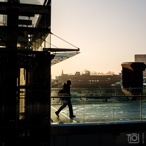 fuji fuji23mmf14 london stratford xpro2 candid morning shadow silhouette square sunrise urban