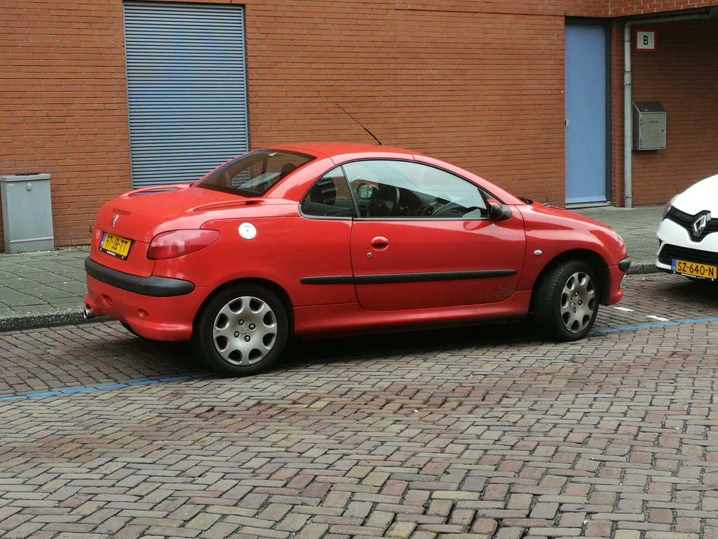Rare In Red 2002 Peugeot 206 Cc Automatic Skitmeister Flickr