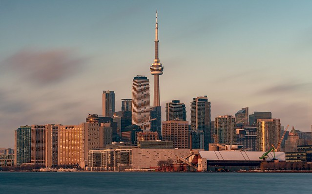 Toronto by the lake