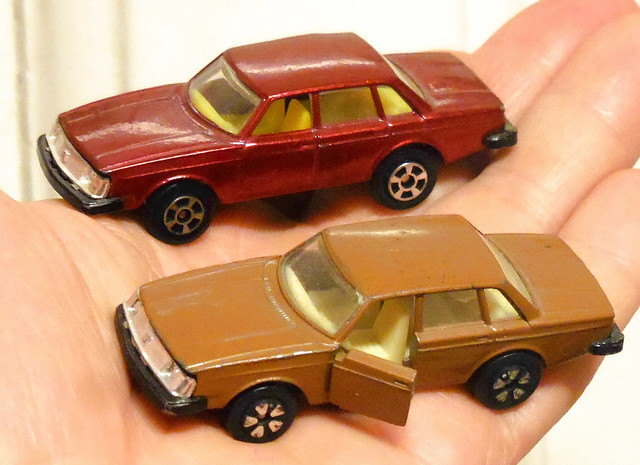 Playart Volvo 244 variations - with or without opening front doors & 5 slot v 5 petal wheels