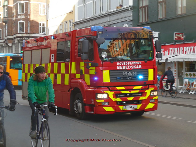 Copenhagen Fire Department MAN M2 races to a callout