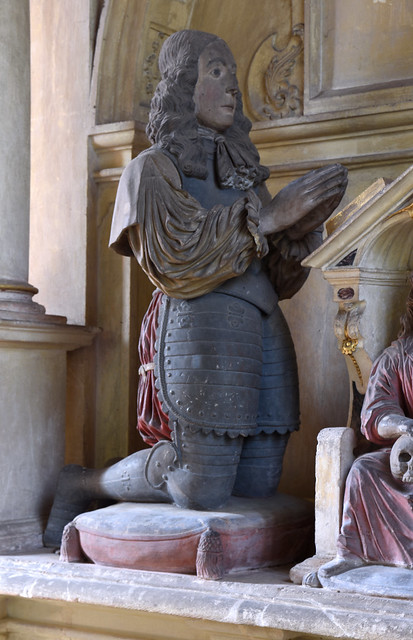 Clapton in Gordano, Somerset, St. Michael's & All Angels', monument to Edmund Winter †1672 & his wife, detail