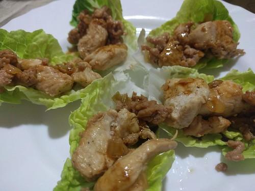 Rollitos de lechuga rellenos de carne especiada | by noeliarcado