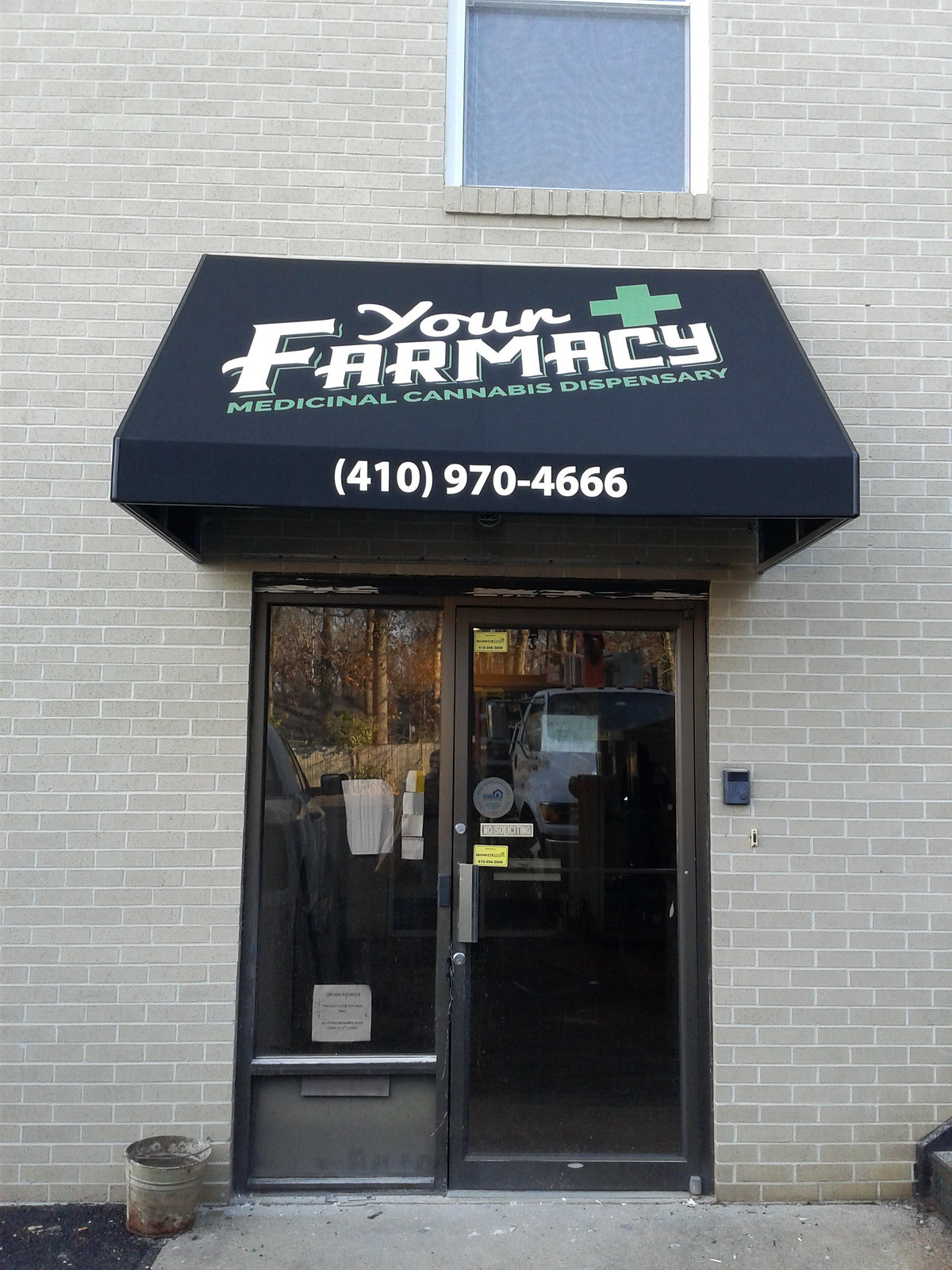 Small-Business-Awning-Graphics